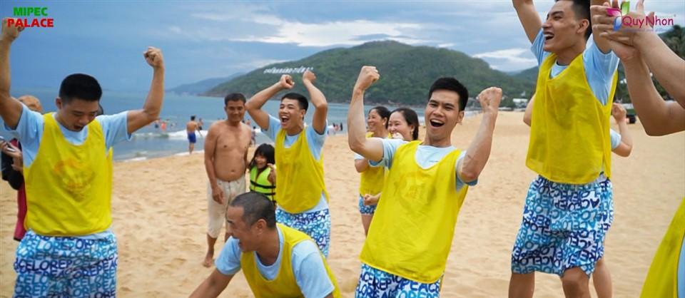Team Building bãi biển Quy Nhơn