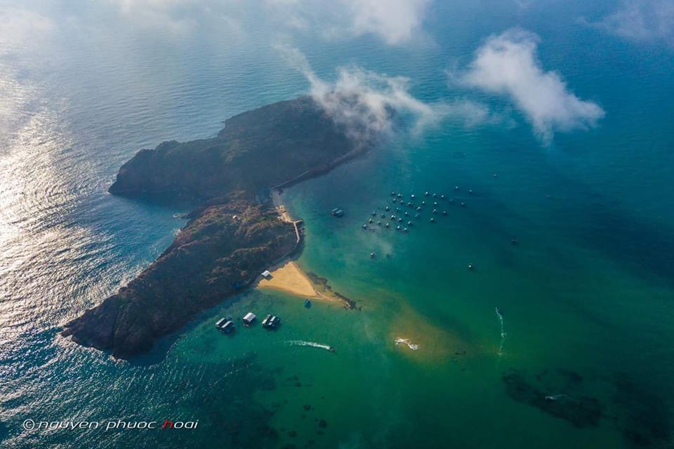 Đảo hòn khô nhìn từ trên cao