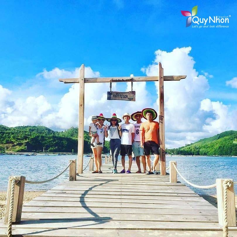 check in đảo Nhất Tự Sơn