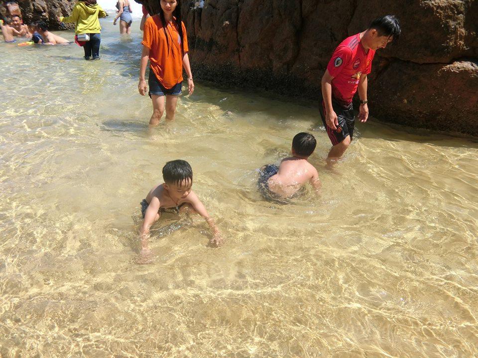 tắm biển tại kỳ co