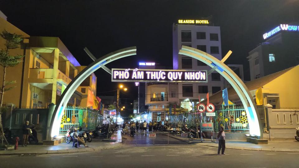 Cổng phố ẩm thực Quy Nhơn