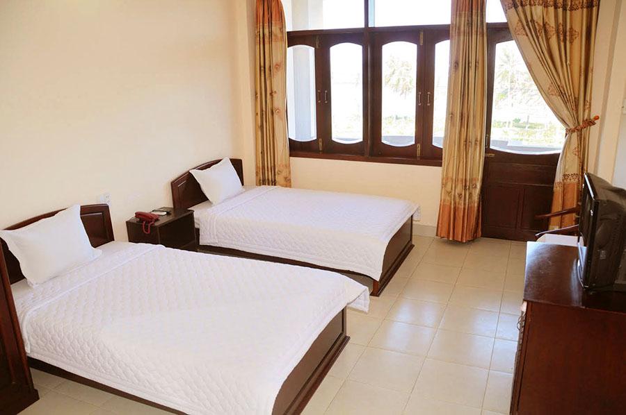 Phòng ngủ sạch sẽ, thoáng mát và tiện nghi. Ảnh: Én Việt