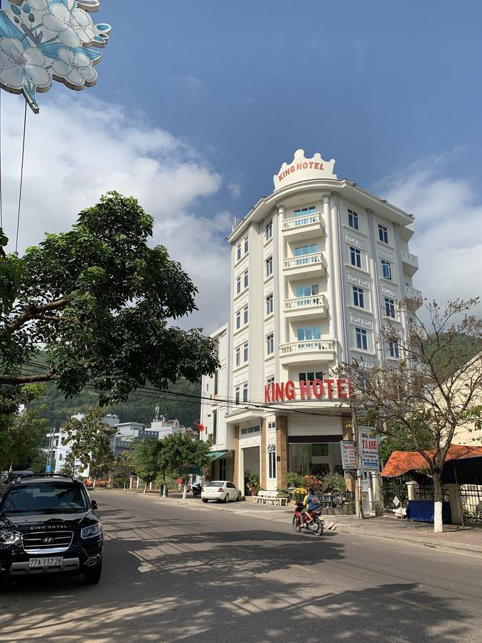 View nhìn xuống từ khách sạn thoáng đãng - Ảnh: kinghotel.vn