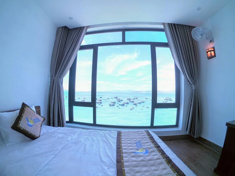 Tất cả các tầng của khách sạn đều có view nhìn toàn bộ bờ biển tuyệt đẹp.