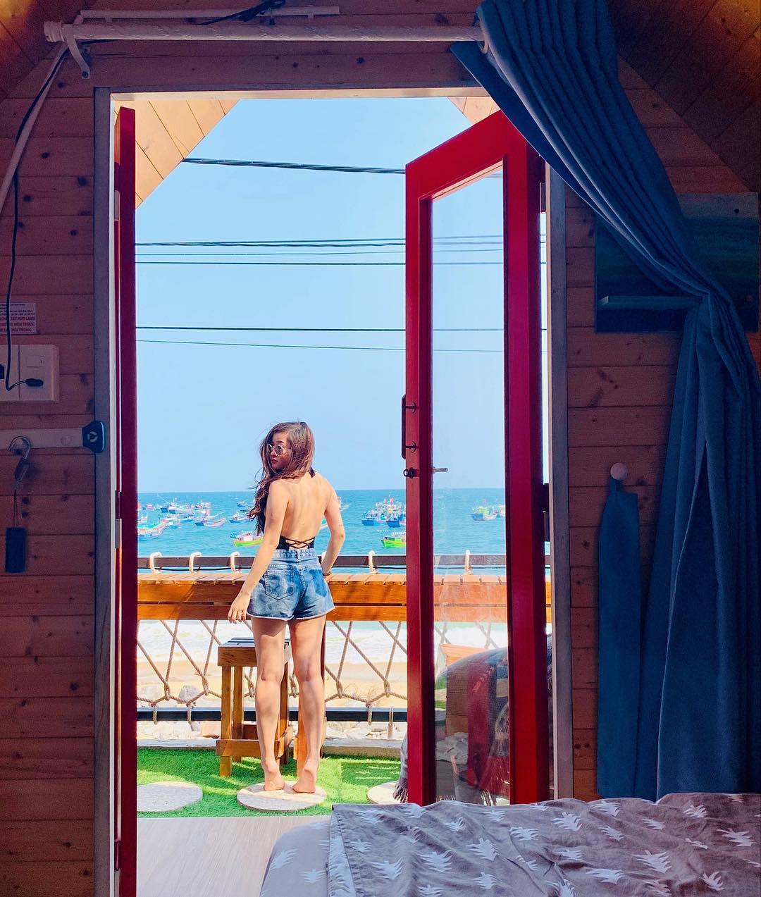 Xinh xắn, đáng yêu với đủ màu sắc thế này có làm tim bạn rung động với La Beach House Homestay Nhơn Lý? Ảnh: @maitron__