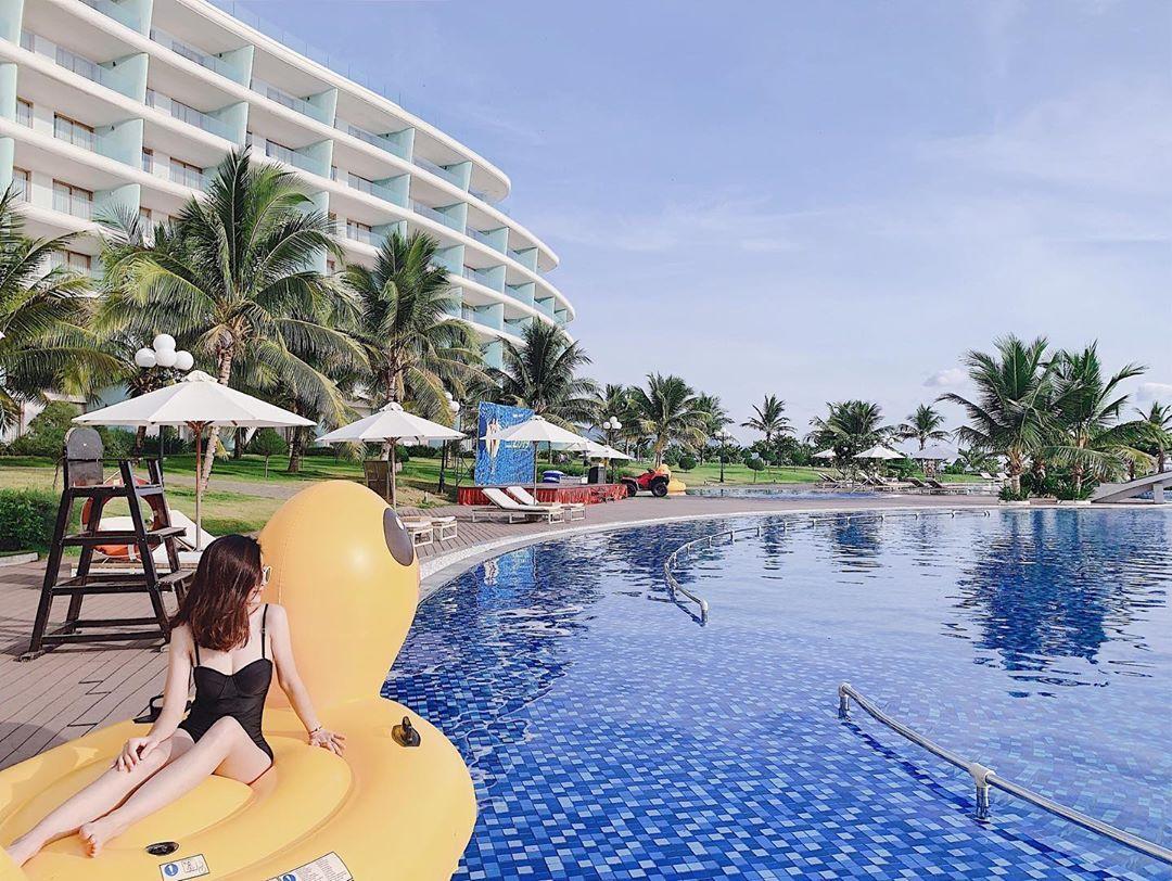 FLC Luxury Resort Quy Nhơn với không gian sang chảnh cùng những bể bơi cho du khách có thể giải trí. Ảnh: @han12_6