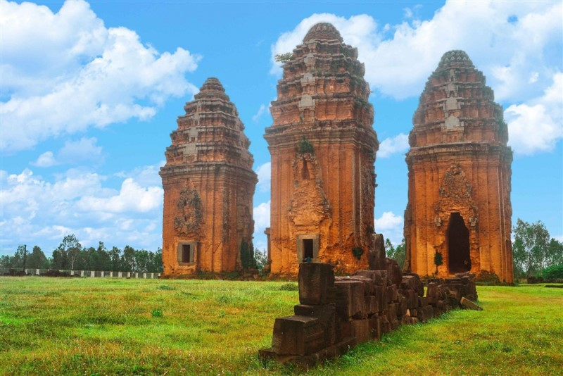 Duong Long tower - ivory tower - quy nhon tourist