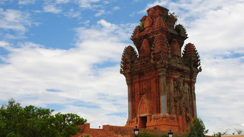 Fairy wing tower - brass tower - canh tien tower - quy nhon tourist