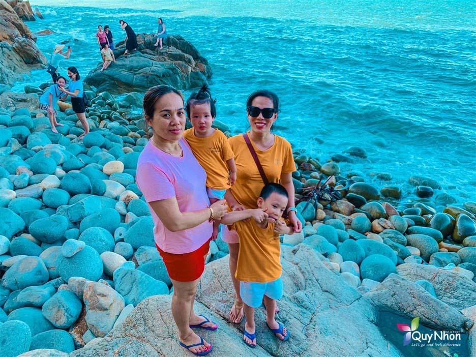 gia đinh Ms Ngoc Mai - Tour Quy Nhon Phu Yen 3 ngay 2 dem