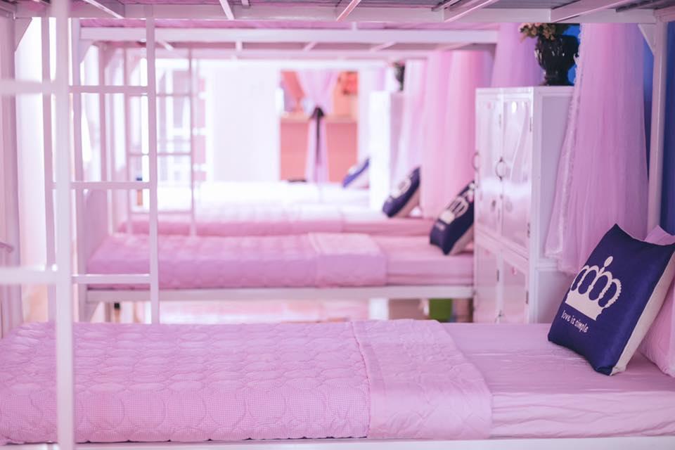 Được bao phủ bằng những tông màu tươi sáng, đặc biệt là màu hồng - Ảnh: Princess's Room