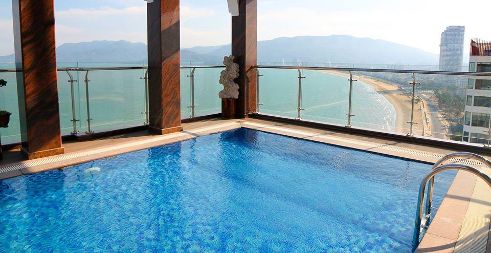 Bể bơi vô cực với thiết kế đặc biệt - Ảnh: Viet Nam Taste Hotel