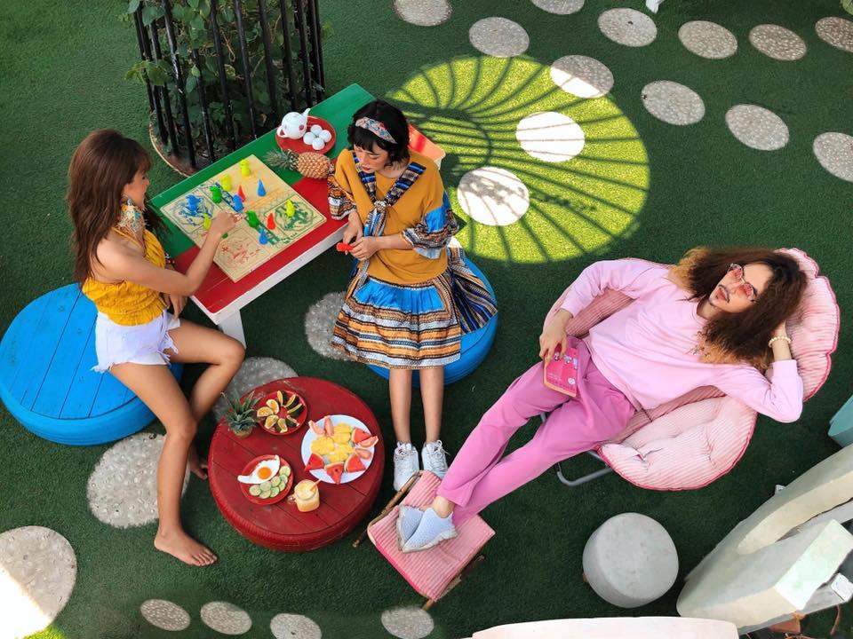 Sự lựa chọn yêu thích của những hội bạn yêu sắc màu - Ảnh: La Beach House