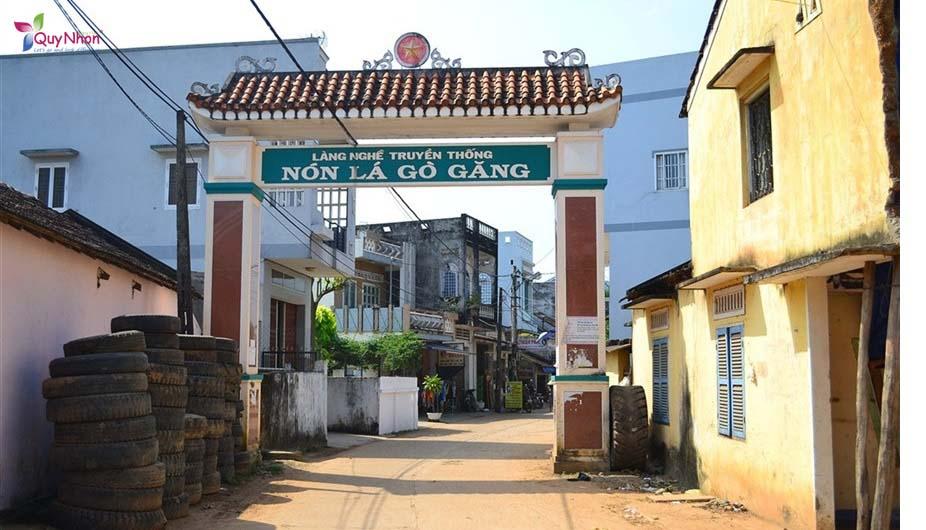 cổng vào làng nghề nón lá gò găng - Bình Định