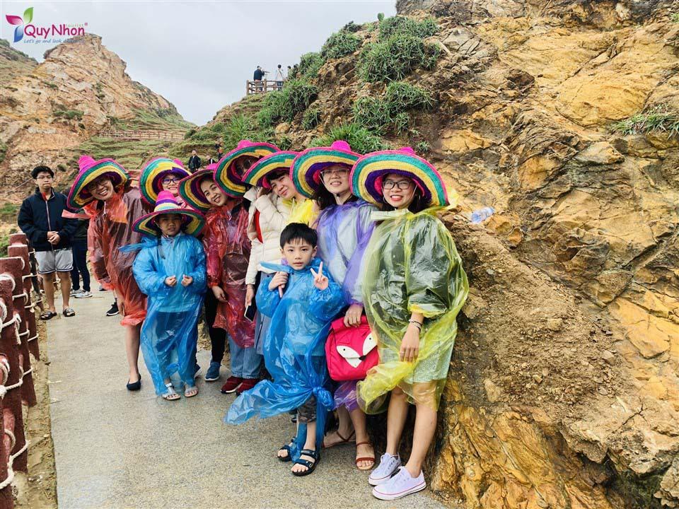 tour kỳ co trời mưa bằng đường bộ