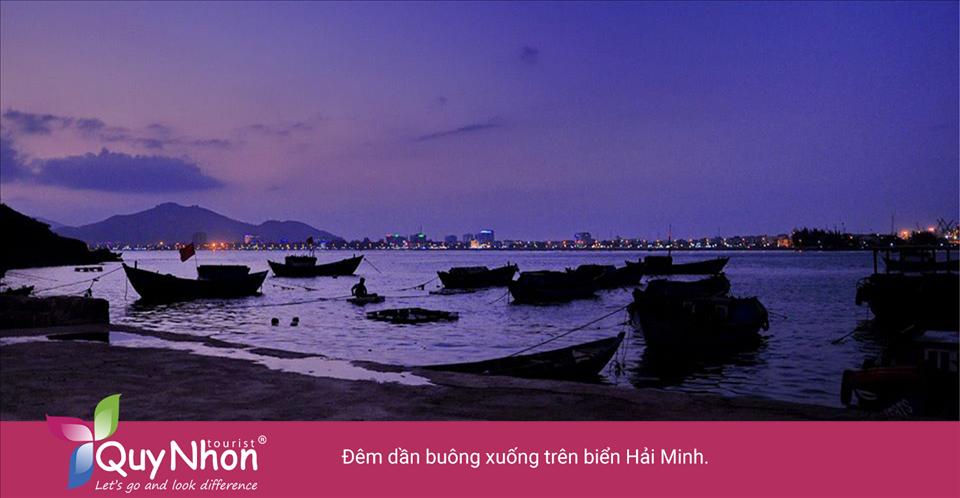 Đêm dần buông xuống trên biển Hải Minh.