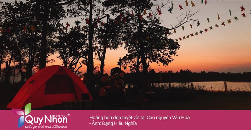 Cắm trại qua đêm tại cao nguyên Vân Hòa - Ảnh: Đặng Hiếu Nghĩa