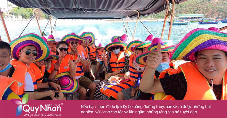 Nếu bạn chọn đi du lịch Kỳ Co bằng đường thủy, bạn sẽ có được những trải nghiệm với cano cao tốc và lặn ngắm những rặng san hô tuyệt đẹp.